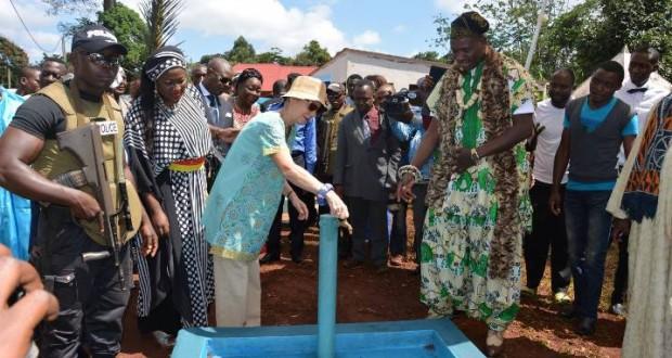 inauguration Project d'eau Bangoua 2015